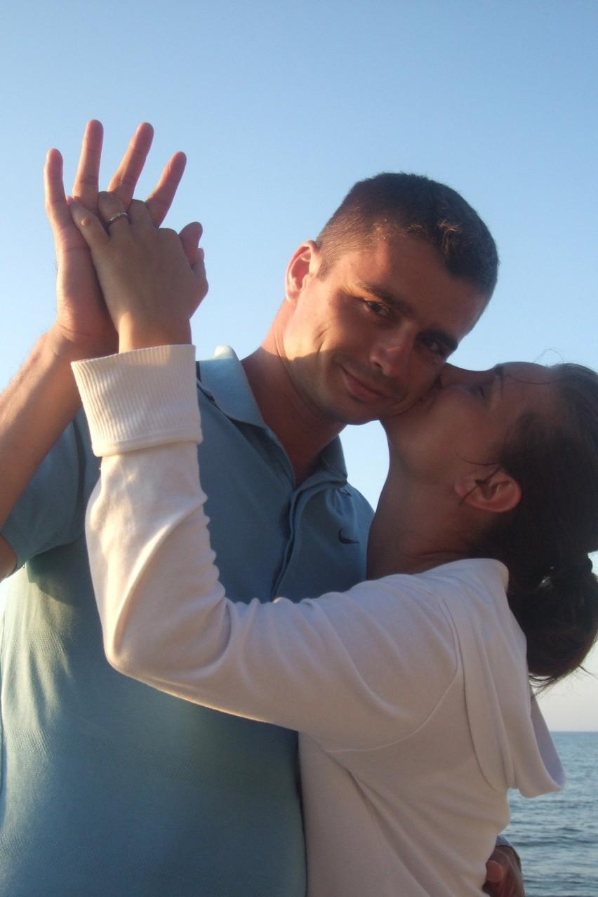 Monika Sobolewska i Adam Jaksim - wyślij SMS o treści para.8 na numer 72355 (koszt 2.46 zł z VAT)
