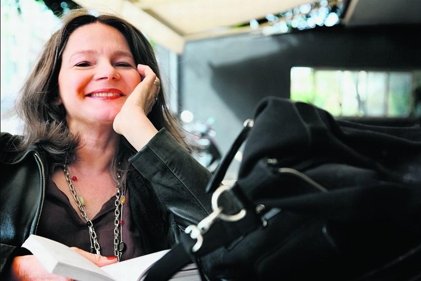 Agata Tuszyńska: Wiem, że to naiwne, ale wierzę w niemożliwe