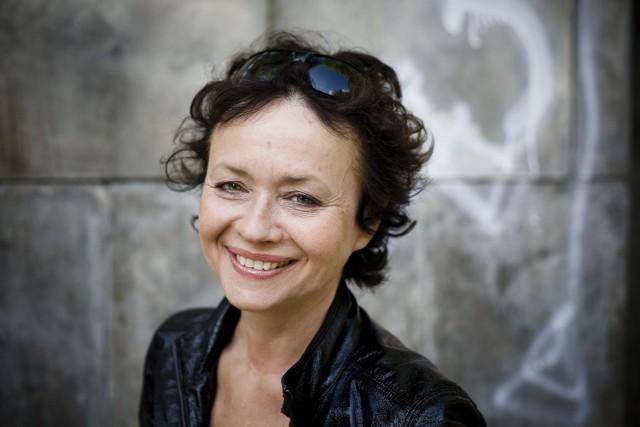 """Joanna Szczepkowska - aktorka filmowa i teatralna, a także pisarka. Wydała m.in. tomik wierszy """"Miasta do wynajęcia"""""""