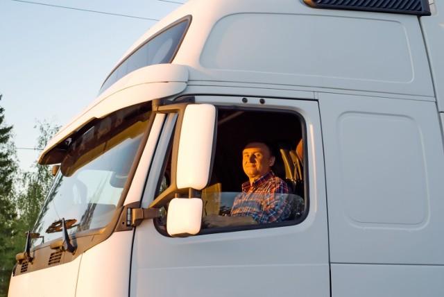 Kierowcy zawodowi muszą zaliczać, zgodnie z przepisami, szkolenia okresowe