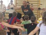 Marcin Gortat uczy koszykówki dzieci komandosów w Lublińcu [ZDJĘCIA]