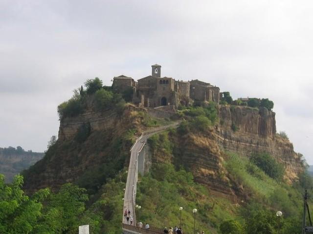 Bagnoregio - starożytne miasto w Italii założone przez Etrusków w VI w. p.n.e.
