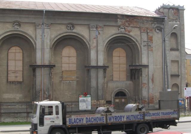 Chyląca się niedawno ku ruinie synagoga jest już bezpieczna. Za dwa lata odzyska blask