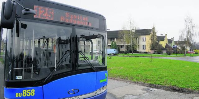 Do gęsto zaludnionego osiedla jeżdżą tylko autobusy dwóch linii