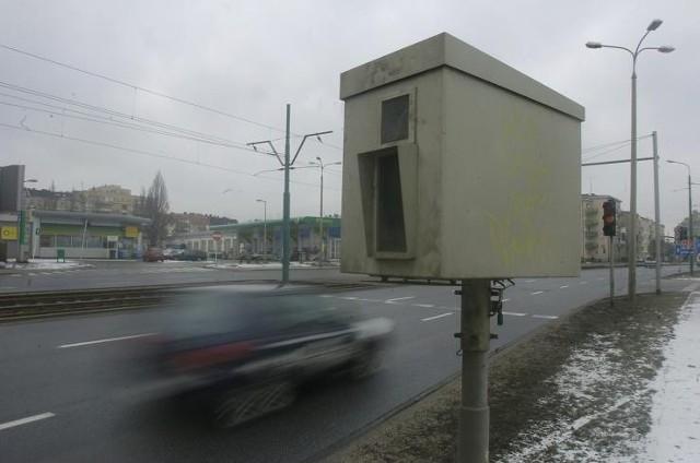 W poniedziałek fotoradar stanie przy Zamenhofa, Starołęckiej, Dąbrowskiego i Lechickiej