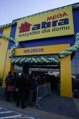 Wrocław: Tłum na otwarciu sklepu Mega Abra (ZDJĘCIA)