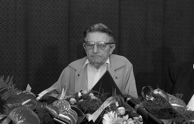 Leszek Skrzydło zmarł 11 grudnia 2011 r.