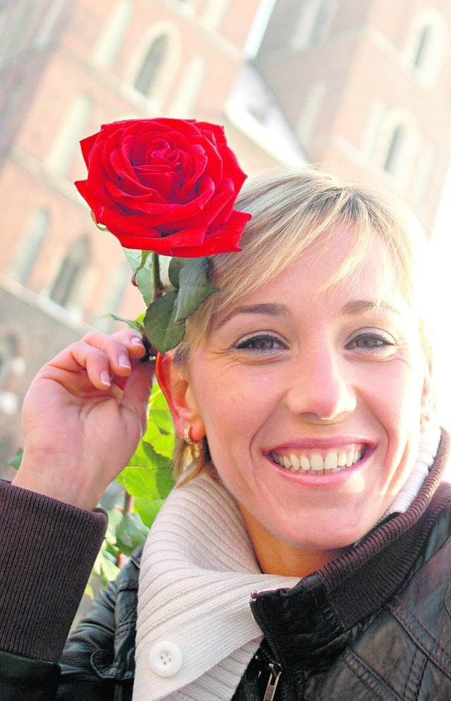Która kobieta nie lubi róż, szczególnie tych czerwonych...