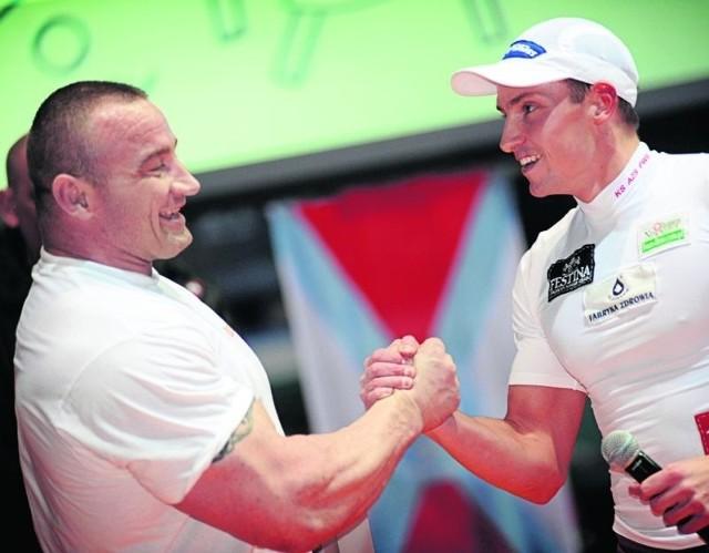 Przed rokiem Paweł Rańda stoczył walkę z Mariuszem Pudzianowskim. Walkę na wiosła