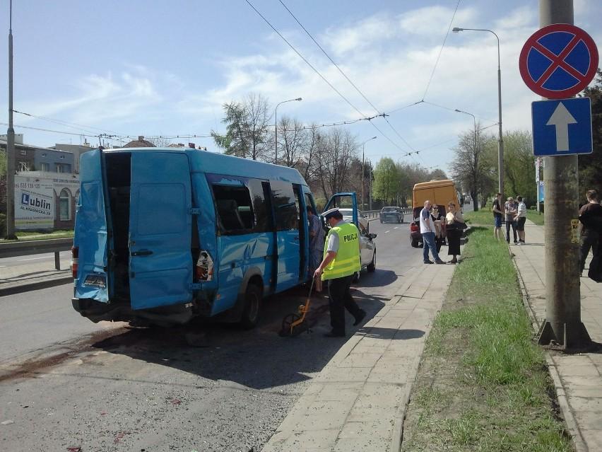 Al. Kraśnicka: Zderzenie busa i trzech innych pojazdów...