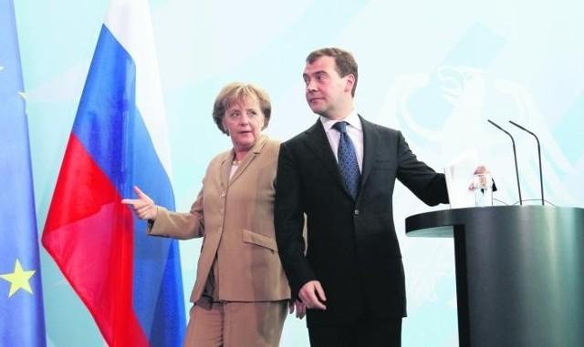 Po próbie generalnej w Berlinie, gdzie Miedwiediewa przyjęła Angela Merkel, prezydent Rosji podejmie u siebie liderów UE