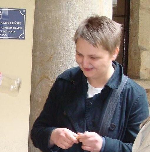 Justyna Juniszewska cieszy się z wyroku, jaki wydał sąd
