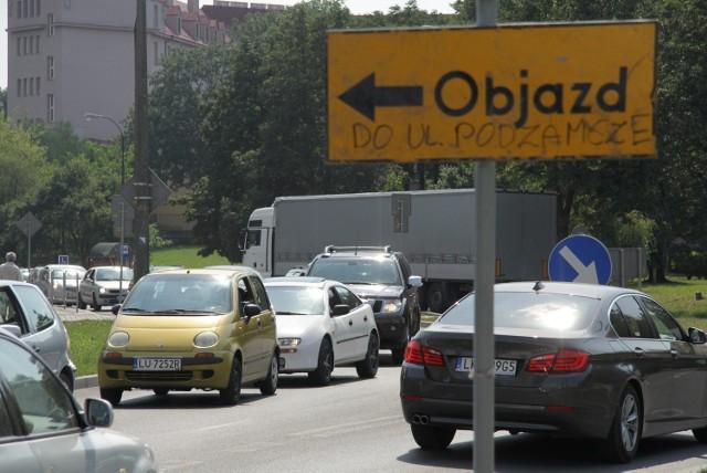 Kierowcy jadący przez ul. Podzamcze i Walecznych musieli odstać swoje w korkach