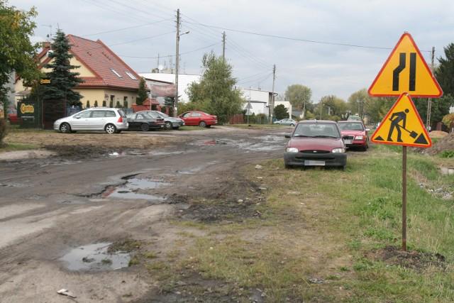 Mieszkańcy ul. Astrów czekają na asfalt od 15 lat