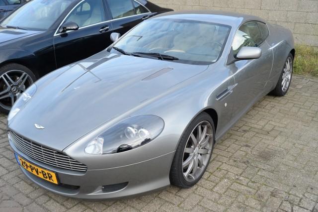 Na licytację wystawionych zostanie w Częstochowie w sumie 23 luksusowych samochodów. Zobaczcie kolejne slajdy.  Aston Martin DB 89 Rocznik: 2008 Cena wywołania: 111 675 zł Cena szacunkowa: 148 900 zł