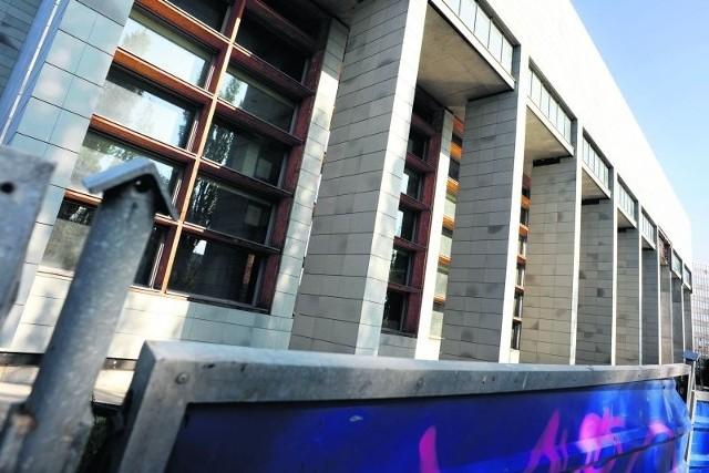 Skanska, czyli nowy wykonawca, powinien zakończyć budowę biblioteki do grudnia 2011 r.