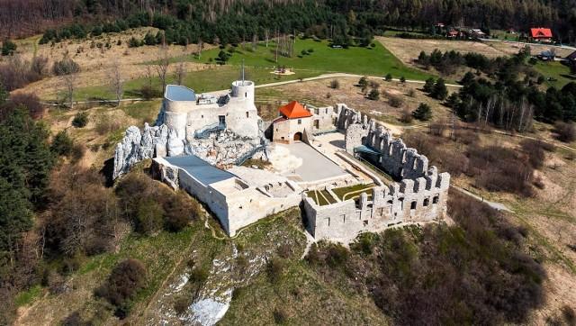 A tak zamek prezentuje się obecnie