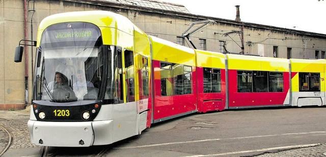 Tramwaj linii 11 wykolei się w poniedziałek o świcie na pętli w Helenówku.