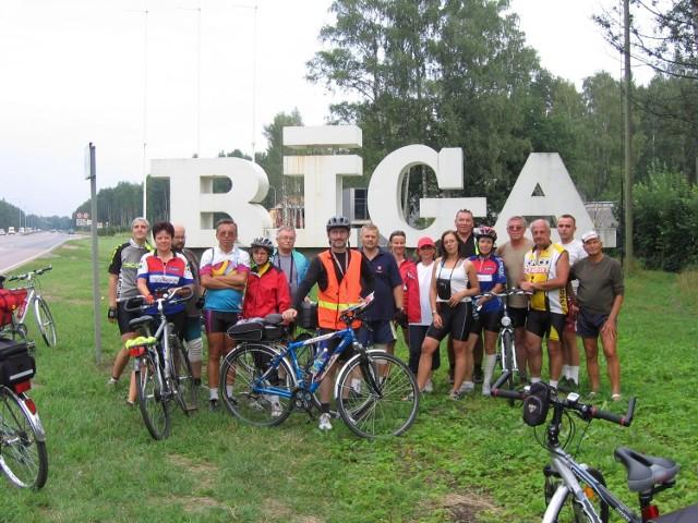 Grażyna Głowacka z podpoznańskiego Suchego Lasu wraz grupą znajomych od lat organizuje wyprawy rowerowe. Zwiedzili już Litwę, Łotwę, Finlandię i Węgry