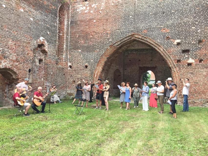 Eskapady piknikowe z Fundacją KIWI z Pruszcza Gd. Poznają kulturę, historię, sztukę regionu