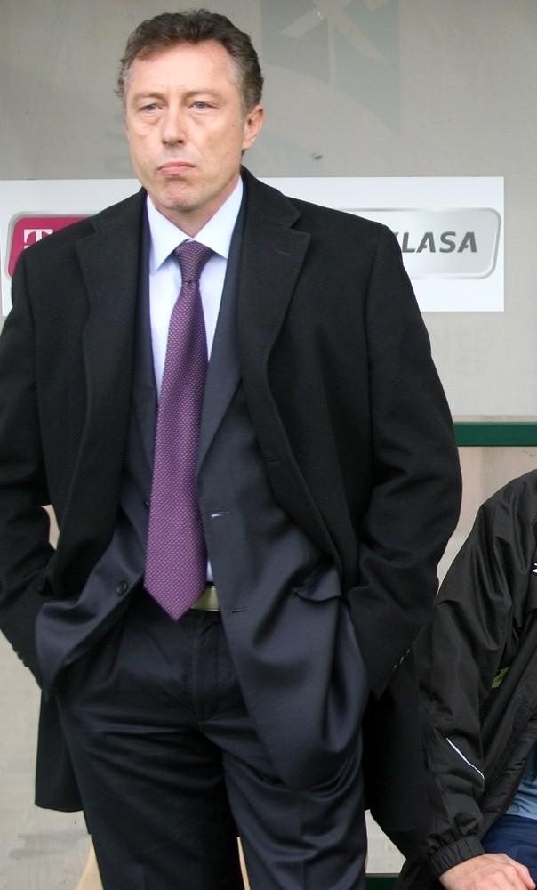 Trener Ryszard Tarasiewicz testuje trzech kandydatów do gry w ŁKS