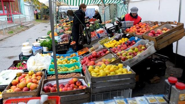 Targ owocowo-warzywny przy ul. Radości działa od ponad 20 lat