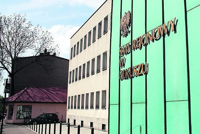 Związki zawodowe i władze starostwa olkuskiego spierają się przed sądem w Olkuszu