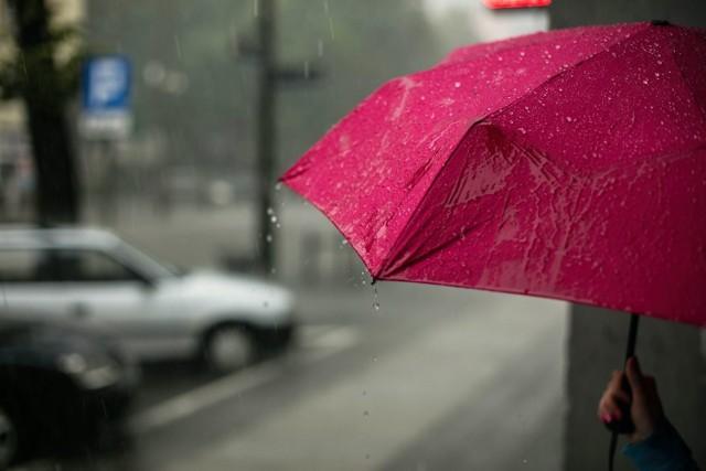 IMGW przewiduje ochłodzenie i opady deszczu w najbliższy weekend, 26-28.02! Jakiej pogody możemy spodziewać się na Pomorzu?