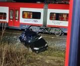 Gmina Opalenica: Pod Wojnowicami samochód zderzył się z pociągiem [FOTO]