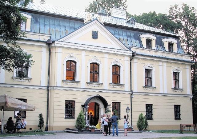 Pałac w Rybnej przeszedł ostatnio kapitalny remont