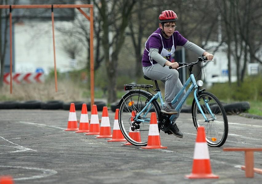 Łódzkie środowiska rowerowe chcą, by 10-latki  przed otrzymaniem karty rowerowej jeździły po ulicach.