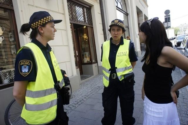 Strażnicy miejscy, których spotkaliśmy, dobrze znali poznańskie zabytki.
