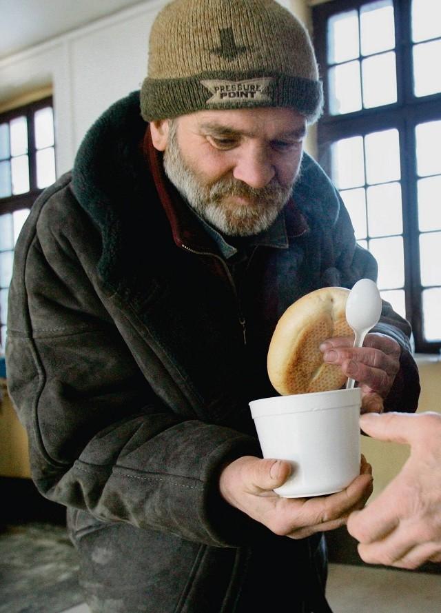 Około tylu osób bezdomnych przebywa w województwie pomorskim.