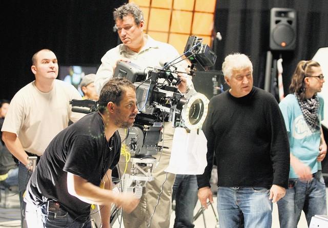 Siłą Plus Camerimage są też warsztaty prowadzone przez mistrzów. Wczoraj o realizacji wideoklipu mówili operatorzy Brett Ratner (pochylony) i Andrzej Bartkowiak (stoi z prawej)