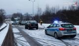 Wypadek w Bytomiu. Czołowe zderzenie na ul. Celnej, kobieta trafiła do szpitala