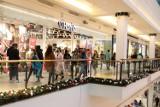 Nowe obostrzenia. Sklepy w galeriach handlowych otwarte od poniedziałku. Zniesione zostały także godziny dla seniorów
