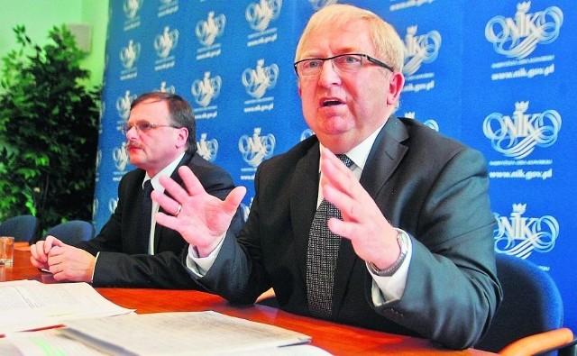 Wiceprezes Jacek Kościelniak (z lewej) i Mieczysław Biernat z NIK przedstawili zarzuty