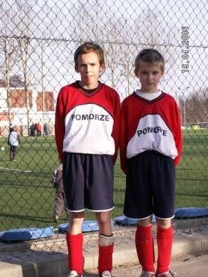 Łukasz Hinz i Dominik Zakrzewski to kolejni, po Damianie Trzebińskim, młodzieżowi mistrzowie Polski w piłce nożnej z Kolejarza.