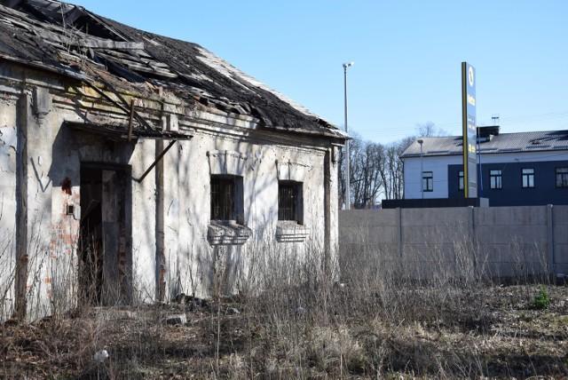 Z powierzchni ziemi zniknąć mają 4 stare budynki.