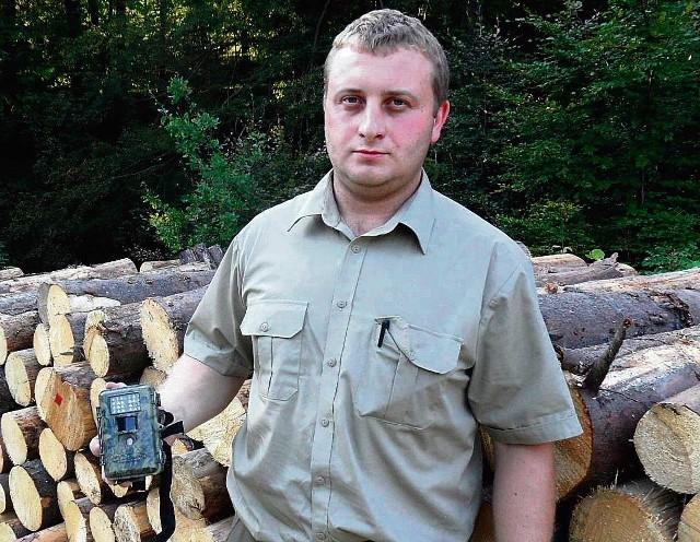 Małe kamery można łatwo ukryć - mówi Michał Kawik