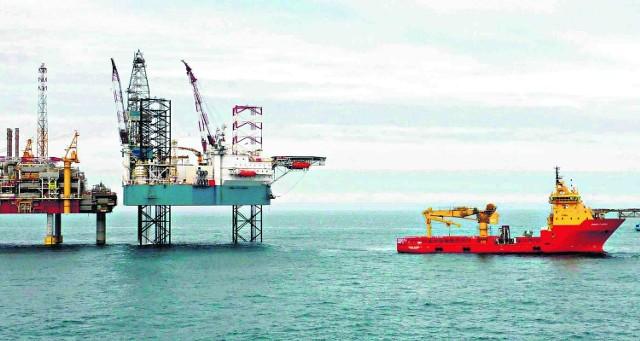 Zespół platform wydobywczej i serwisowej na wodach szelfu norweskiego