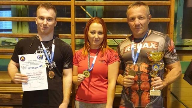 Młody trójboista z Bełchatowa (na zdjęciu po lewej stronie) odnotował kolejne miejsce na podium