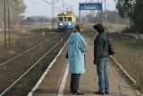 Poranna tułaczka pasażerów pociągu z Łowicza do Łodzi
