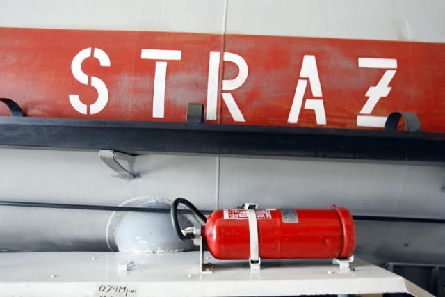 Do rana trwało gaszenie hałdy odpadów przy Łaskiej 227 w Zduńskiej Woli.