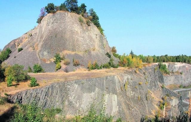 Górująca nad Złotoryją Wilcza Góra pieszczotliwie nazywana przez mieszkańców Wilkołakiem