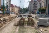 MPK Poznań: Na Wierzbięcicach już widać zarys torowiska. Pierwszy etap remontu powoli zbliża się ku końcowi. Zobacz najnowsze zdjęcia