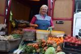 Handel w Nowej Soli. Klienci doceniają warzywa i owoce z okolic miasta. Zobacz ceny