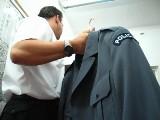 Rumia: Skargi na zachowanie policjanta w cywilu. Odepchnął mnie i podniósł t-shirt, odsłaniając broń