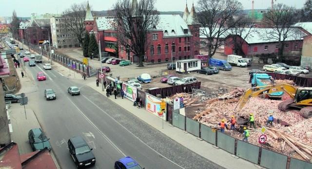 Przez najbliższe dwa tygodnie wykonawca rozbiórki kamienicy we Wrzeszczu  będzie wywoził gruz