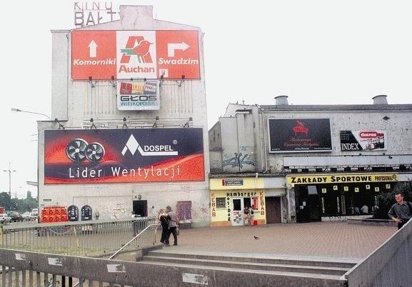 Kino Bałtyk zburzono po 73 latach funkcjonowania. Ostatni seans odbył się w lipcu 2002 r.